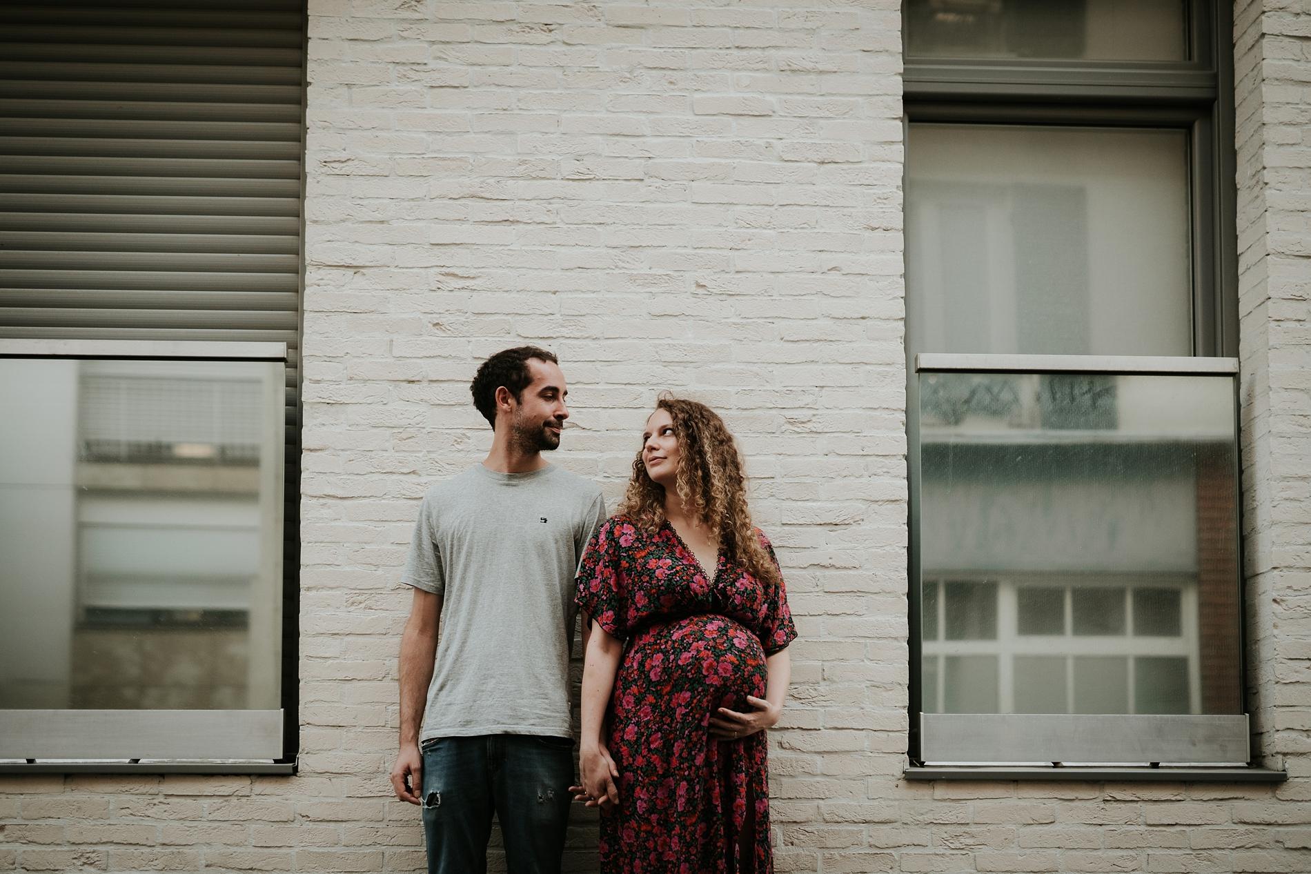 Photographe lifestyle grossesse à Paris